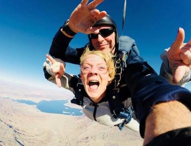 Toni Skydiving